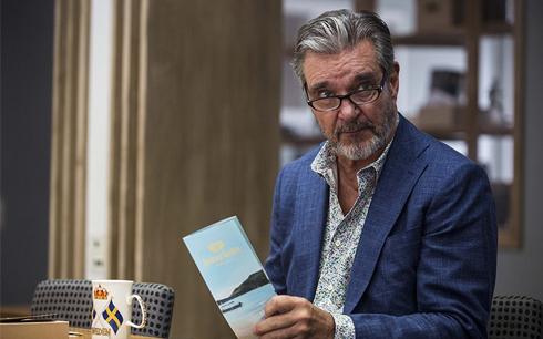 Kjell-Bergqvist som Evert Bäckstrom. Foto: Jonath Mathew