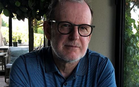 Björn Runge kommer att regissera filmen Bränn alla mina brev.
