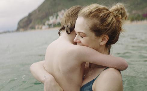 Ane Dahl Torp och Troy Lundkvist i Charter. Fotograf/Källa: Sophia Olsson / Nordisk Film
