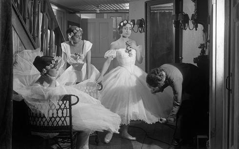 Mauritz Stillers Balettprimadonnan (1916) är en av de stumfilmer som nu går att se på Filmarkivet.se. Foto © SF Studios